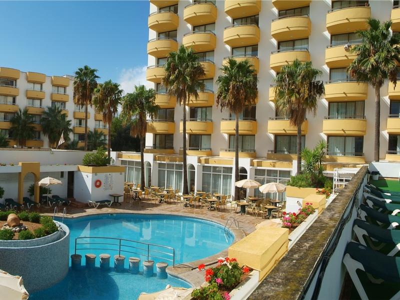 Instalaciones y servicios de protur atalaya apartamentos for Apartamentos con piscina en alcoceber