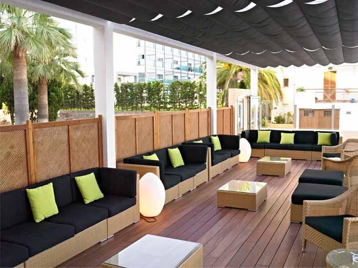 Protur bonamar hotel 4 en cala millor mallorca protur - Muebles chill out exterior ...