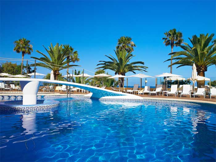 Protur bonamar hotel 4 in cala millor majorca protur for Piscinas mallorca