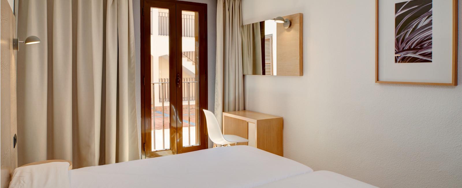 Protur Floriana Resort Aparthotel Cala Bona, Mallorca Más info [+] Apartamento