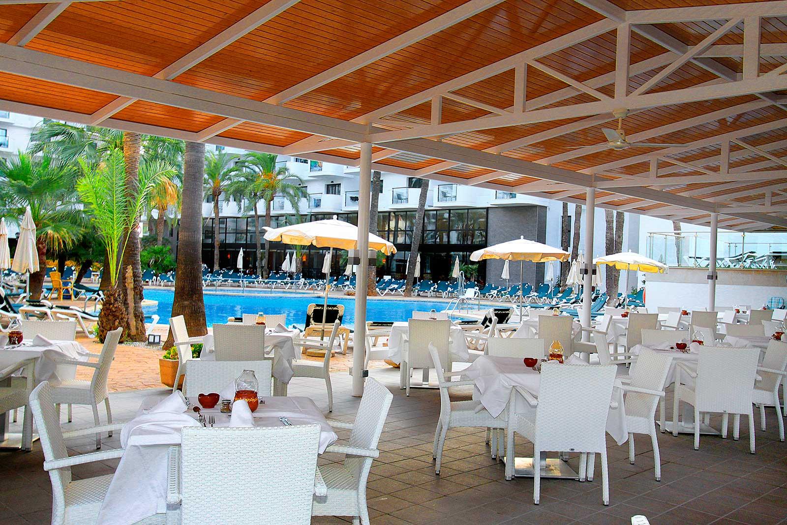 Gastronomy protur palmeras playa hotel sa coma majorca - Piscina playa ...