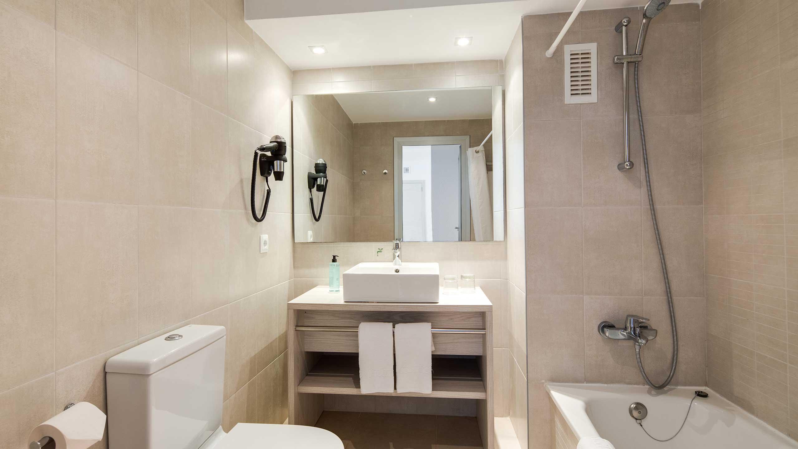 Rooms: Protur Safari Park Aparthotel In Sa Coma, Majorca