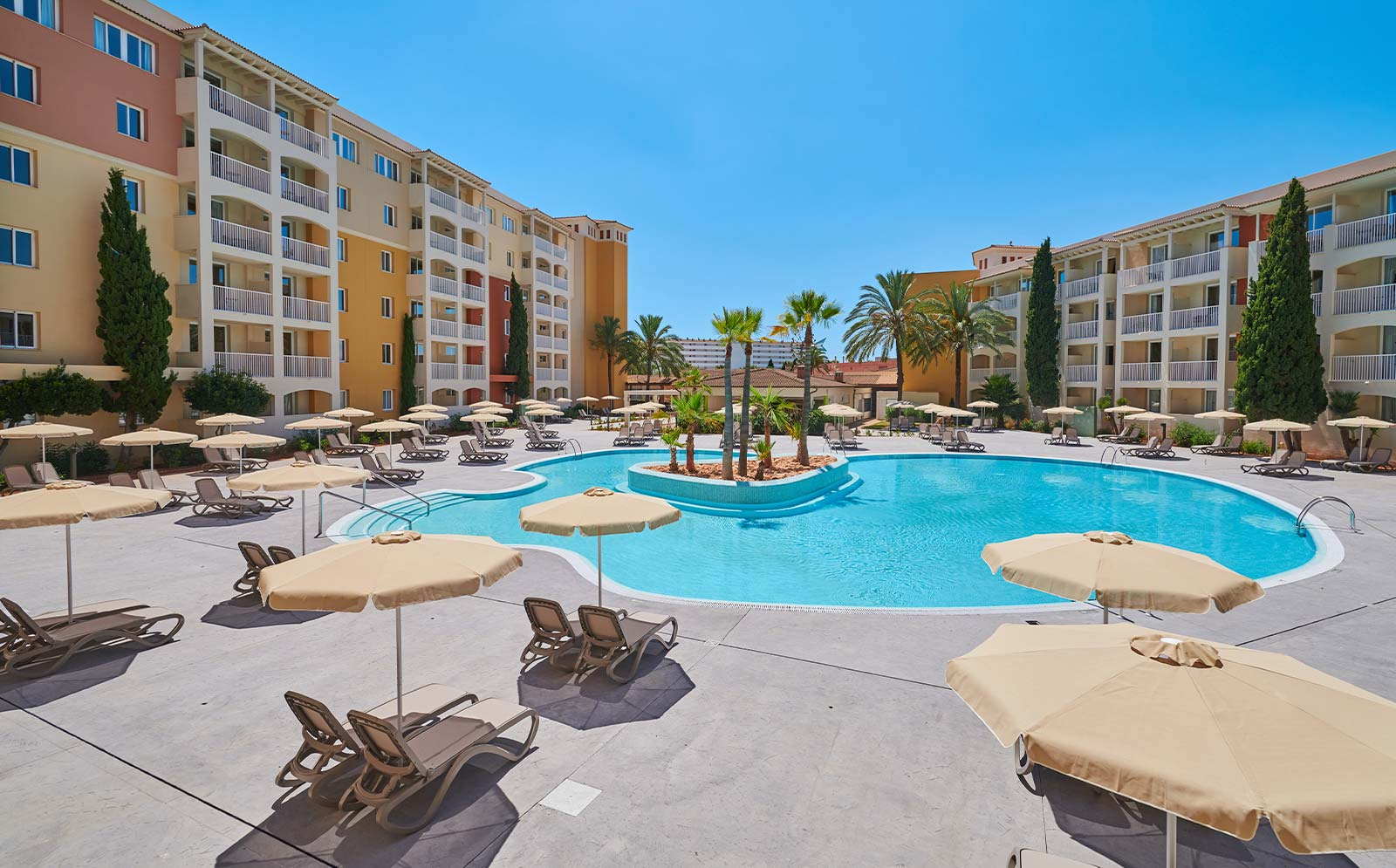Protur bad a park aparthotel 4 in sa coma mallorca for Appart hotel park and suites