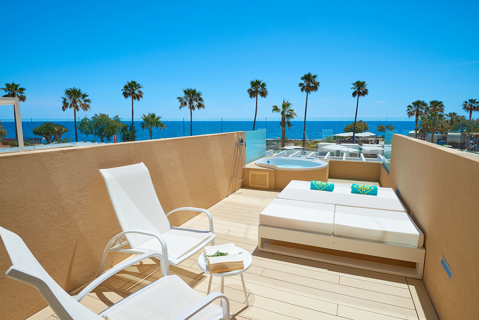 Facilities and services on offer at Protur Bonamar Hotel Cala Millor