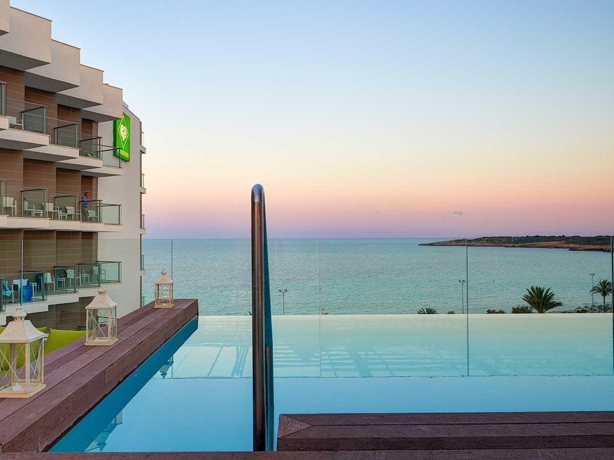 Hotel piscina singapore stunning momento di relax a fine - Piscina playa ...