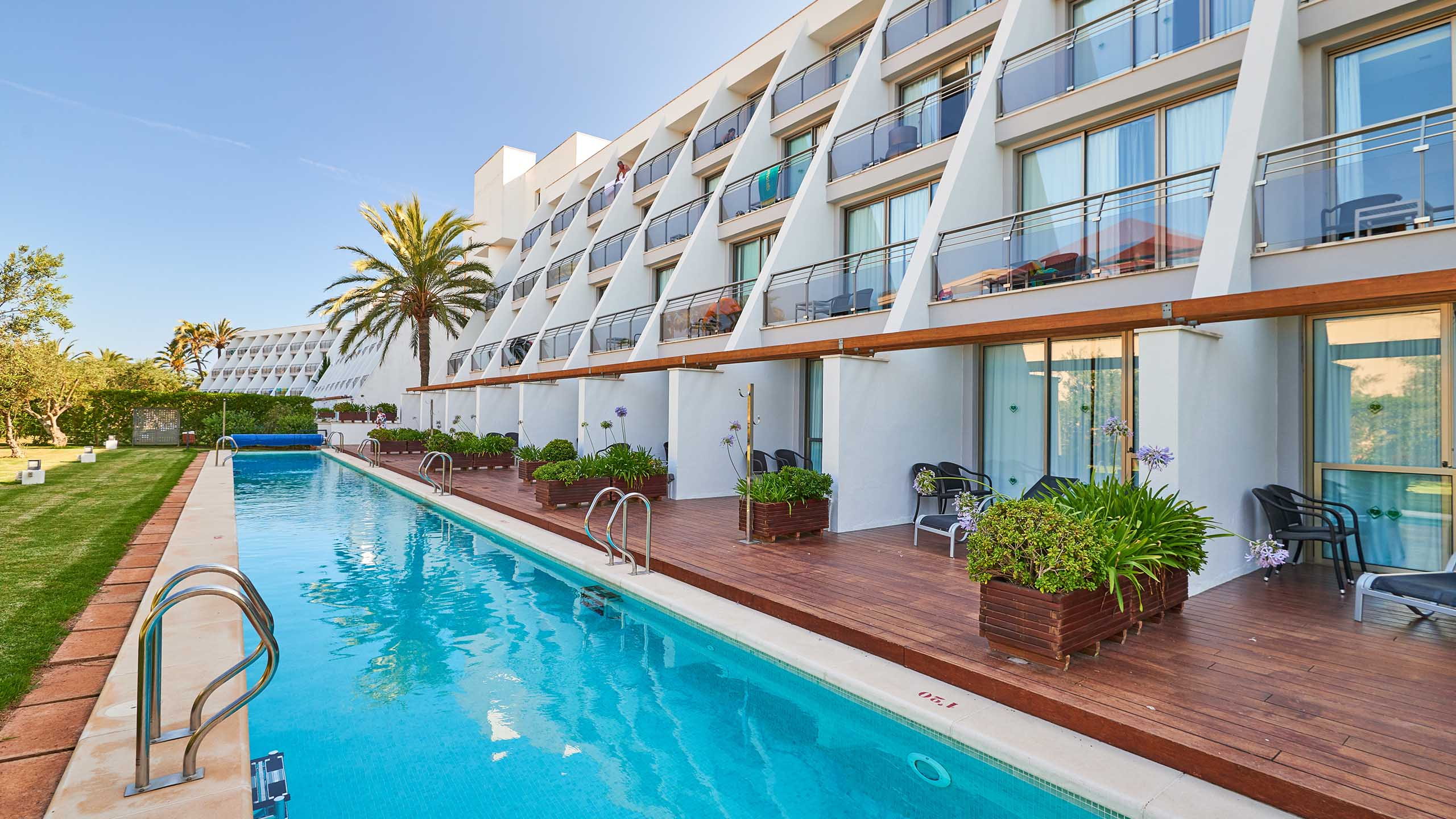 Hotels Aparthotels in Sa Coma Majorca Protur Hotels